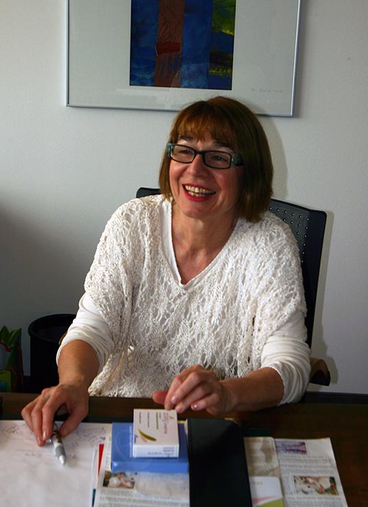 Dr Doris John